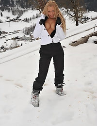 Eroberlin Anna Safina Apres Ski Austria russian blonde photo #3