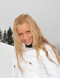 Eroberlin Anna Safina Apres Ski Austria russian blonde photo #5