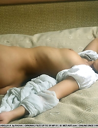 ISABELLA A  BY PASHA - JUVENIA - ORIG. PHOTOS AT 3800 PIXELS - © 2006 MET-ART.COM photo #13