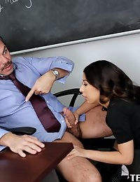 :: Innocent High.com presents Nicole Ferrera's Sexy Photos in Blowjob Season:: photo #2